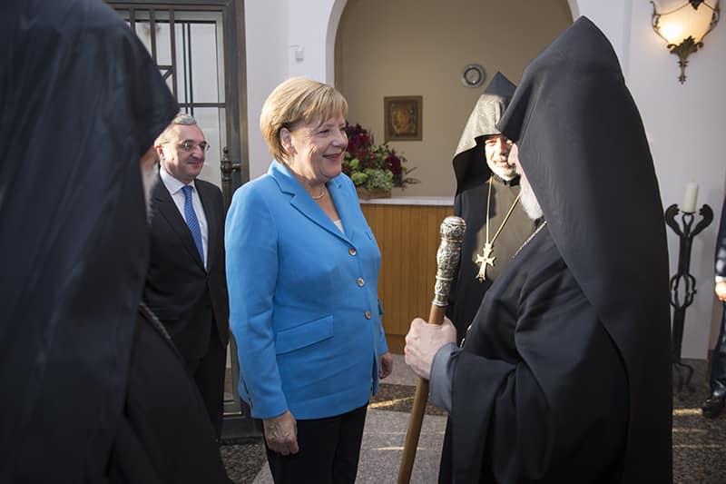 Անգելա Մերկելը  հանդիպել է Ամենայն Հայոց Կաթողիկոսի հետ