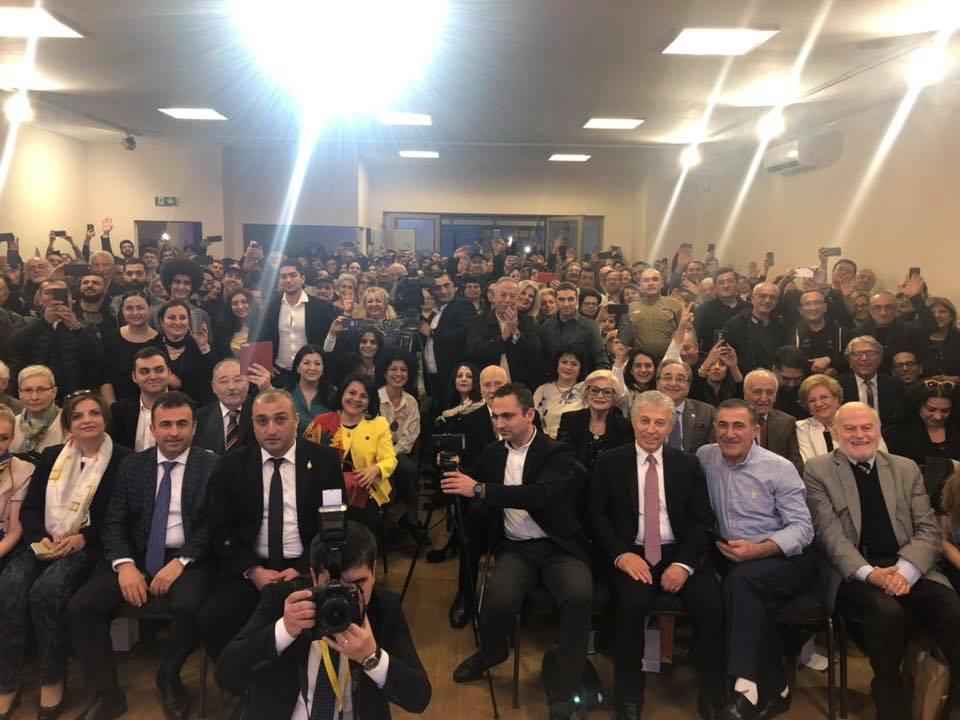 Никол Пашинян встретился с армянской общиной Вены. Видео