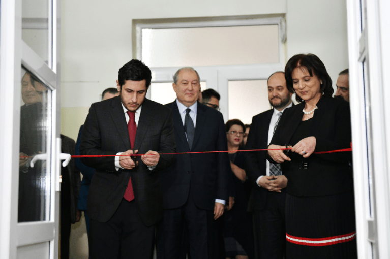 Президент Армен Саргсян принял участие в открытии аудитории имени Гоар и Геворга Варданянов