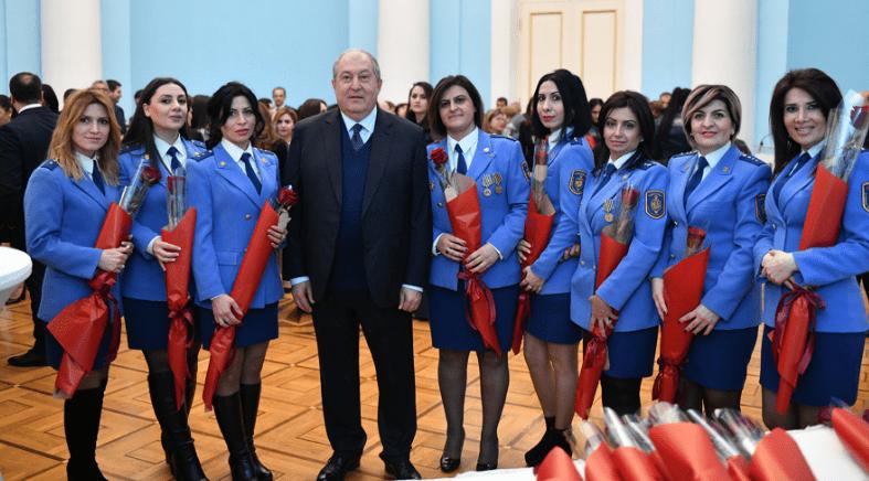 Армен Саргсян организовал прием по случаю женского праздника