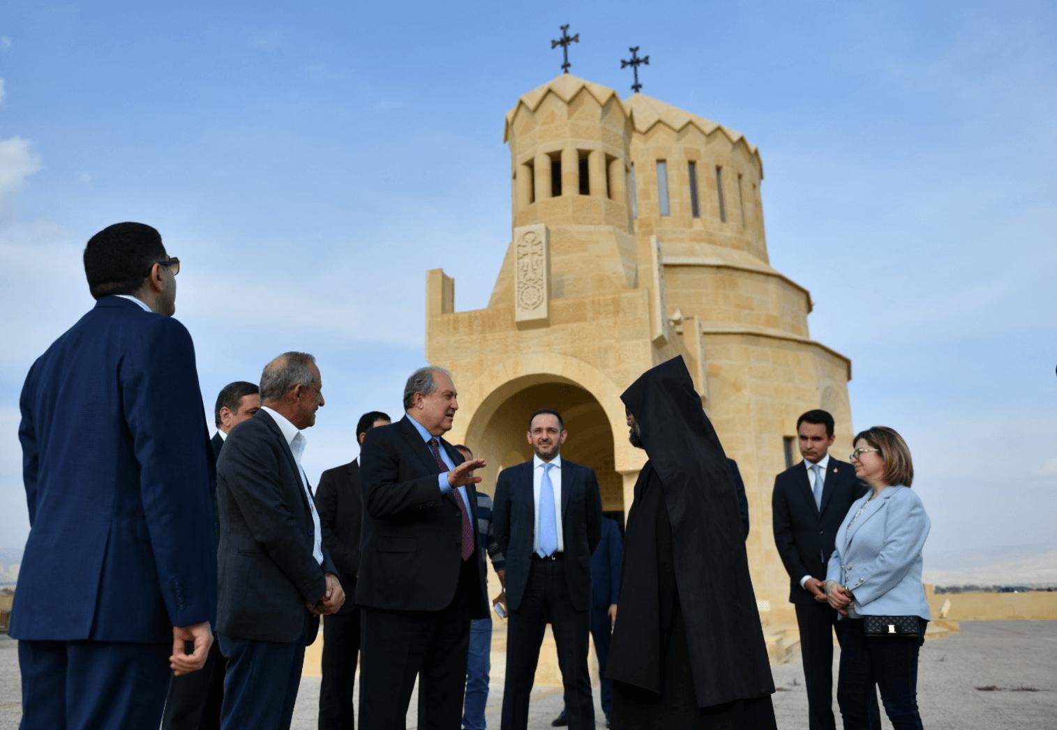 Президент Саргсян посетил место крещения Иисуса Христа на реке Иордан. Фоторяд