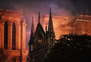 Пожар в cоборе Парижской Богоматери