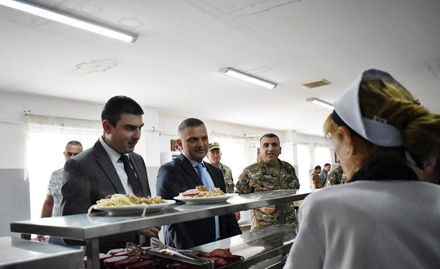 Պաշտպանության բանակը բարելավում է սննդի որակն ու տեսականին