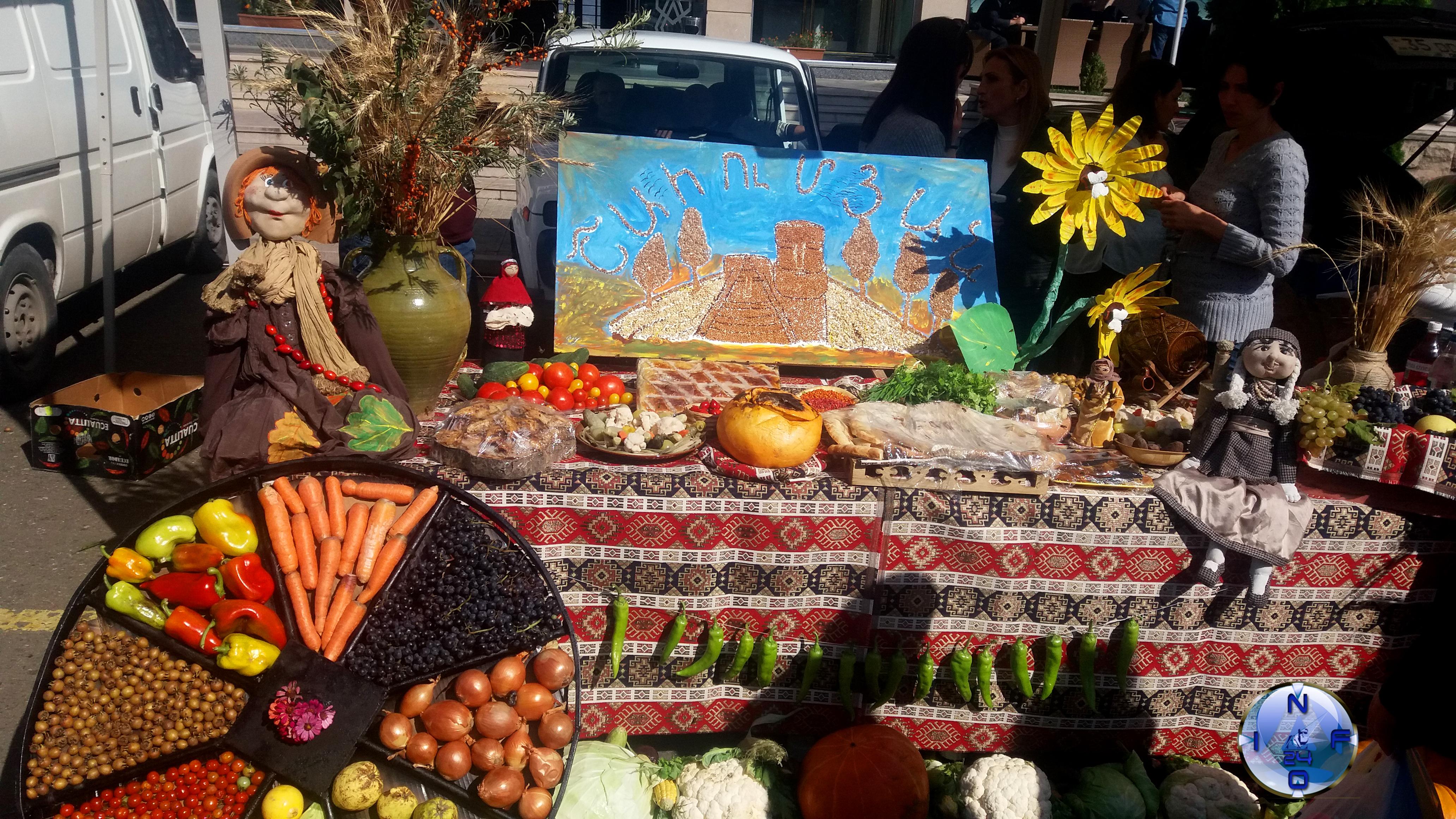 В Степанакерте стартовала ежегодная ярмарка сельскохозяйственной продукции