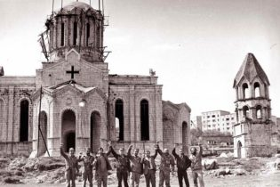 Азербайджан нанес удар по церкви Казанчецоц в Шуши