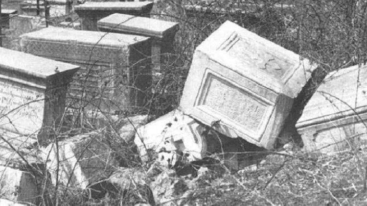 Уничтожение армянских памятников в Шуши
