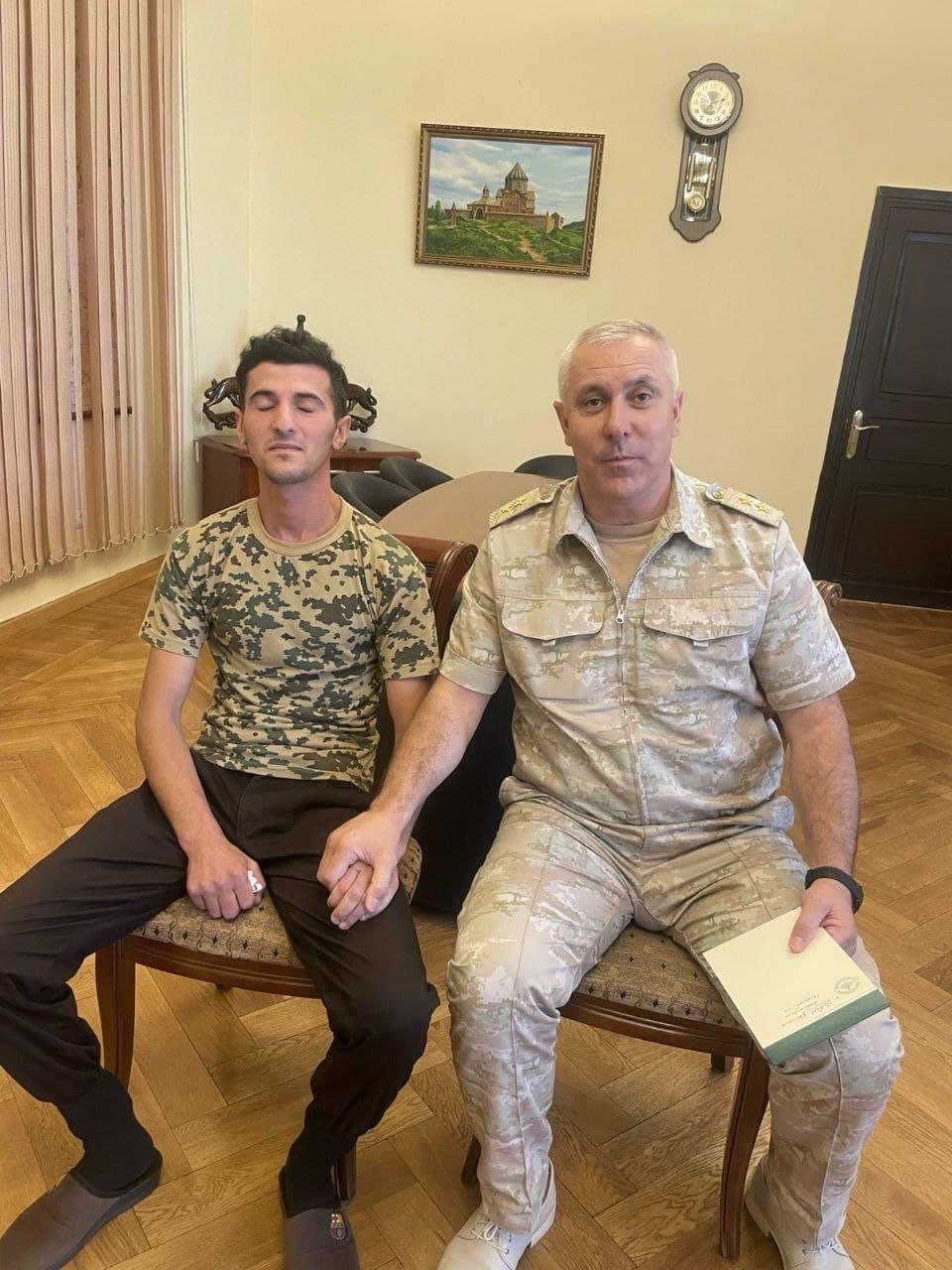 Մուրադովն այցելել է կալանավորված ադրբեջանցի զինծառայողին